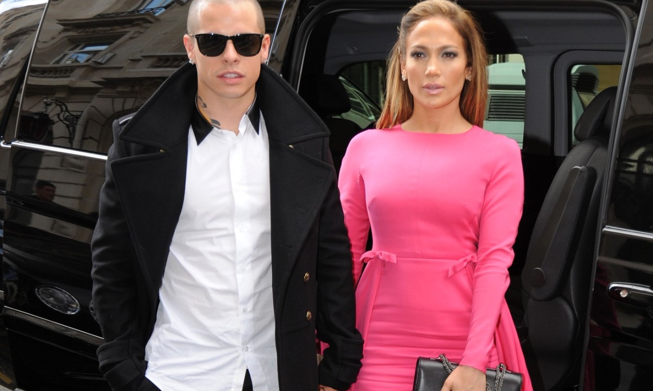 Singer Jennifer Lopez and boyfriend Casper Smart